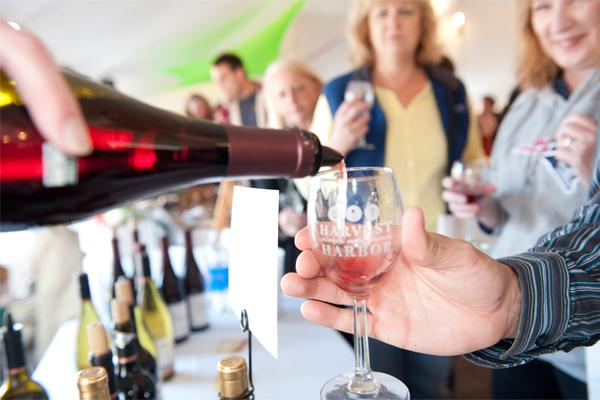 wine pouring_1