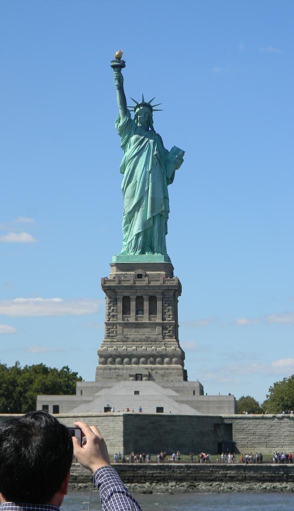 Lady Liberty with tourist Circle Line